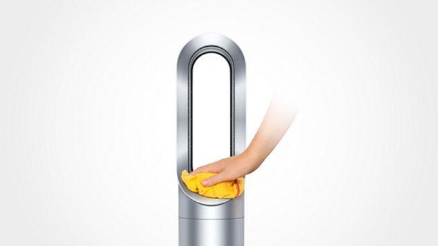 Ruka demonstrující bezpečnost sloupového ventilátoru Dyson Cool™